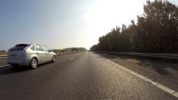 Bil på landevej